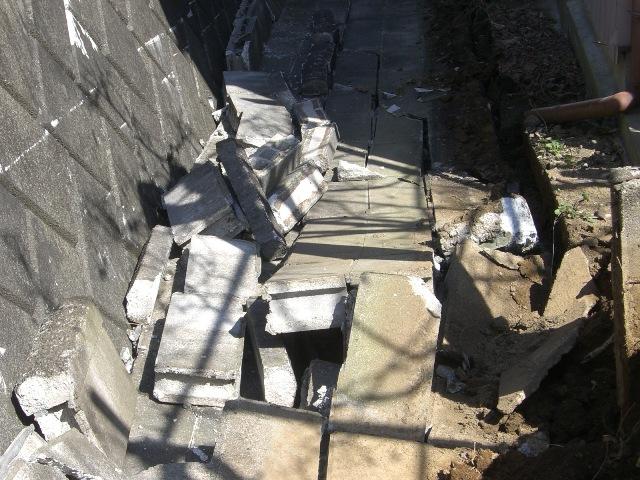 東北・茨城沖大地震・東日本大地震における茨城県石岡市の建物被害状況の写真1